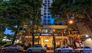 Espinas-e Khalij Fars Hotel