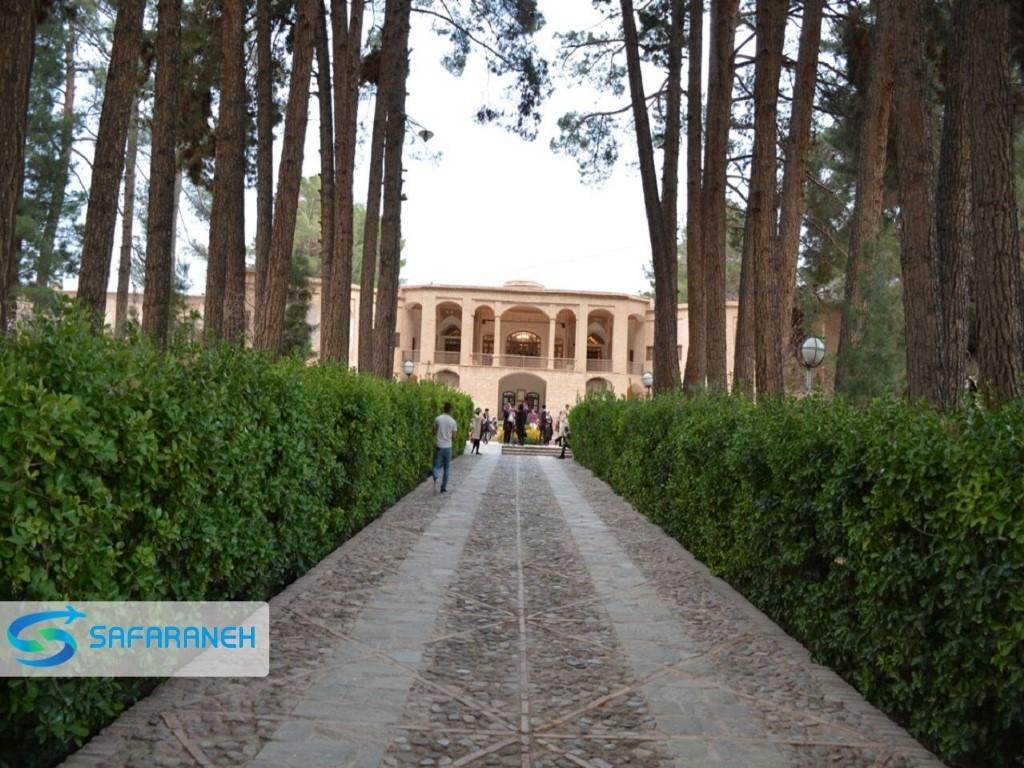 مجموعه فرهنگی وتاریخی باغ وعمارت اکبریه بیرجند