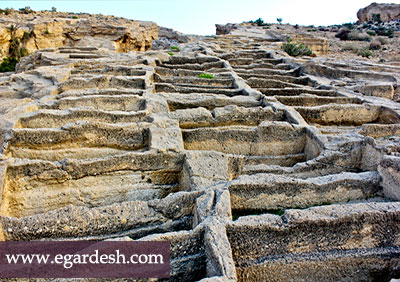 گور دخمه های سیراف بوشهر