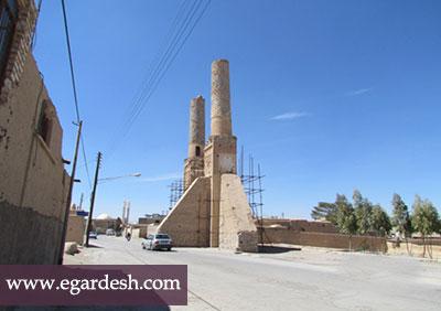 مناره های مسجد نظامیه ابرکوه