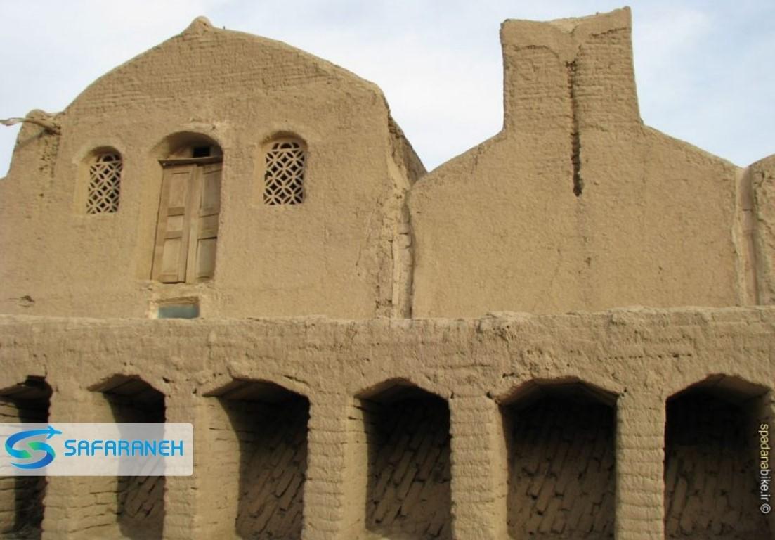 روستای مصر خور و بیابانک