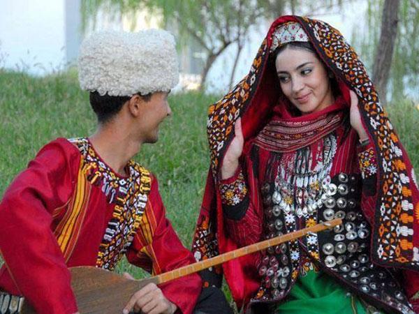 لباس های رنگی ایرانی