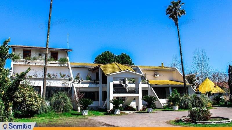 نمای ساختمان مجتمع اقامتی زیبا کنار