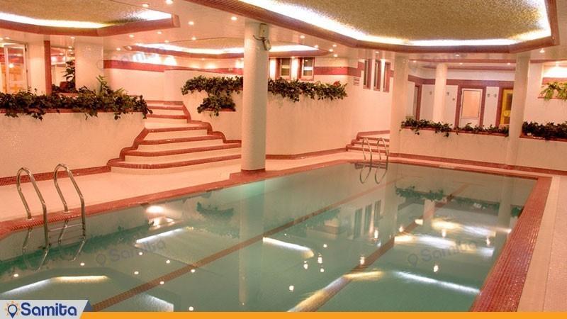 استخر هتل آسیا