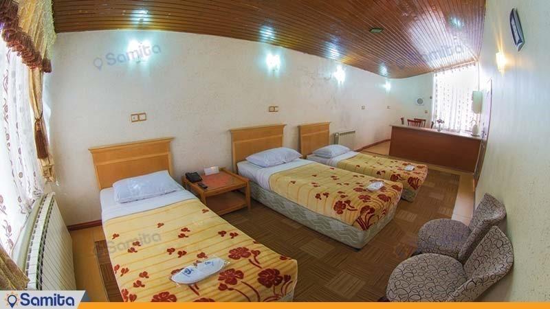 اتاق سه تخته مهمانسرای جهانگردی تاکستان