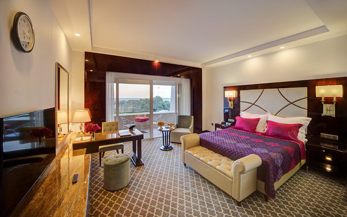 سوئیت رویال یک خوابه چهار تخته