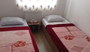 آپارتمان دو خوابه ی سه نفره