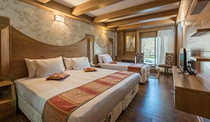 اتاق سه تخته روف گاردن