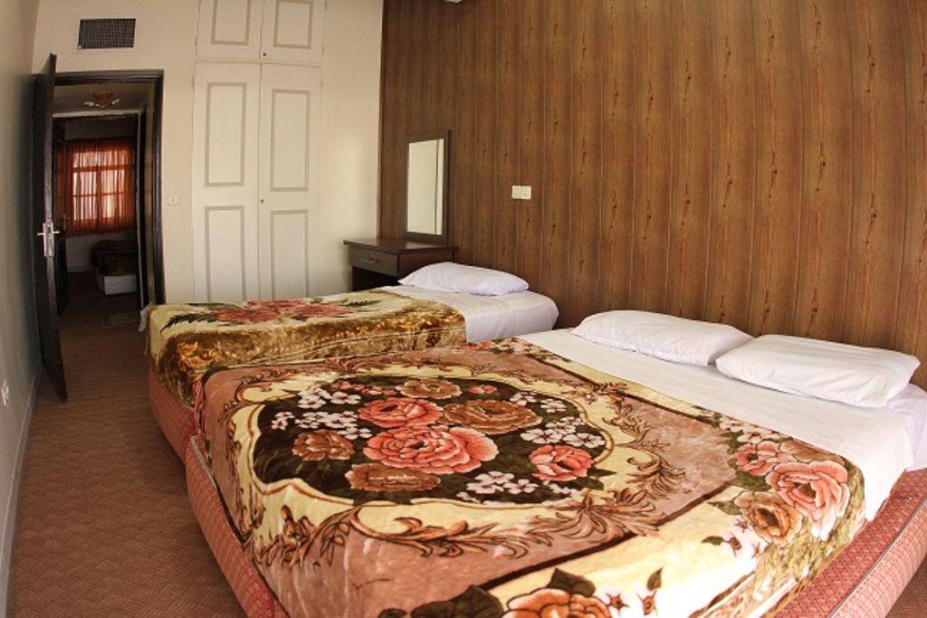آپارتمان سه خوابه ی شش نفره