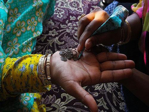 henna-tattoos-in-bandar-abbas